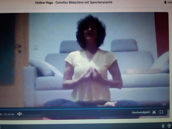 Yoga bei dir zu Hause, online über zoom